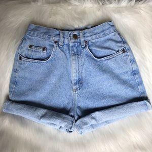 VINTAGE ✨ high waisted mom jean shorts